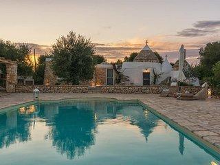 Charming 2 bed Puglia trullo. Private pool. BBQ. WIFI.