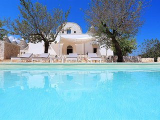 Stunning Alberobello trullo with private pool