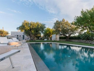 Stunning 5 bedroom Puglia trullo with private pool