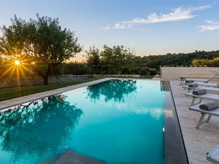 Stunning 5 bedroom trullo with pool in Puglia