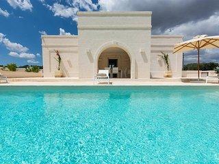 Il Casolino: Luxury Puglia villas with heated pool