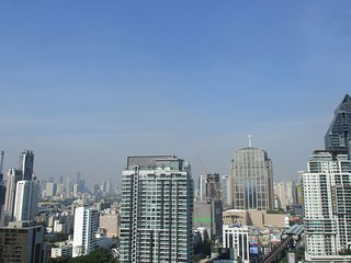 Executive Condo Central Bangkok 1BR