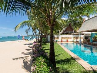 Miskawaan Villa Acacia | Luxury Beachfront Villa | Private Pool & Garden