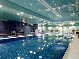 King David Residence Luxury 4 BD/Pool/Gym/Parking