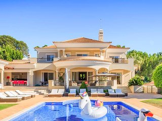 6 bedroom Villa with Pool, Air Con and WiFi - 5742668