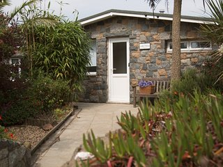 Chez Nous, Sark - Gorgeous Bungalow in Channel Islands, Sleeps Up to 6 People