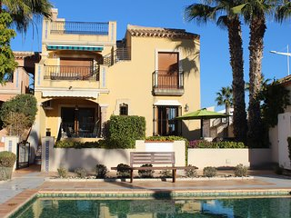 Casa Estrellas, La Finca Golf, WIFI, smart TV, poolside location, private garden