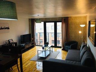 Superb apartment in prime location w/ parking