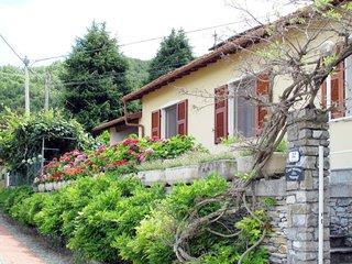 2 bedroom Villa with Walk to Shops - 5657268