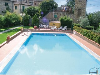 2 bedroom Apartment in San Donato, Tuscany, Italy - 5540212