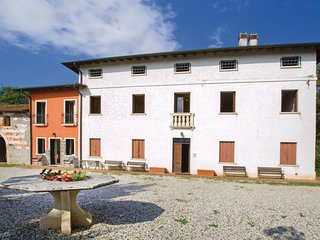 4 bedroom Apartment in Mazzi-Pasini, Veneto, Italy : ref 5567001