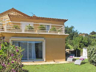2 bedroom Apartment in Bormes-les-Mimosas, France - 5435884