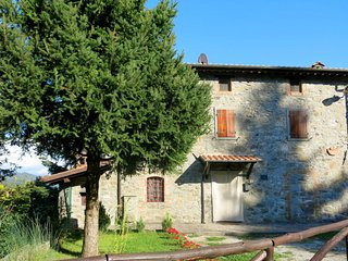 2 bedroom Villa in Sant'Anna, Tuscany, Italy - 5651199