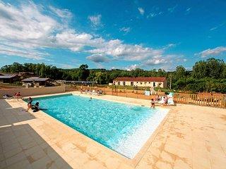 2 bedroom Apartment in Cazals-des-Bayles, Occitania, France - 5682659