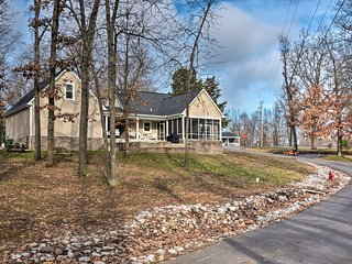 Lovely Home w/View & Private Dock on Kentucky Lake