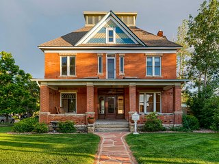 NEW! Dwtn Loveland Historic Home w/Modern Comforts