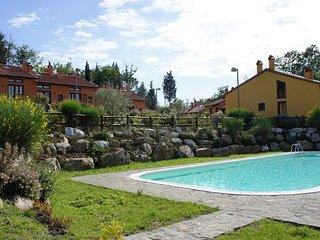 2 bedroom Villa in Camporbiano, Tuscany, Italy - 5240568