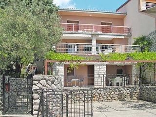 2 bedroom Apartment in Dramalj, Primorsko-Goranska Županija, Croatia : ref 56412