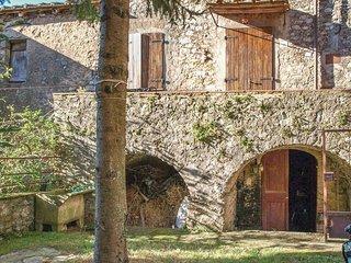 2 bedroom Villa in Fibbiano, Tuscany, Italy : ref 5523659