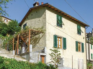 3 bedroom Villa in Sant'Anna, Tuscany, Italy - 5540479