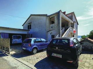 2 bedroom Apartment in Okrug Gornji, Croatia - 5562760