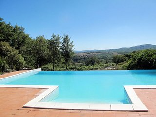 2 bedroom Apartment in Moscofuli, Tuscany, Italy : ref 5655436
