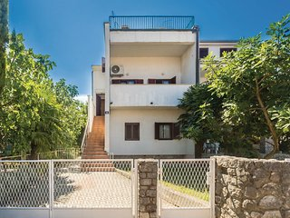2 bedroom Apartment in Malinska, Primorsko-Goranska Županija, Croatia - 5550152