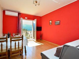 1 bedroom Apartment in Grebastica, Sibensko-Kninska Zupanija, Croatia : ref 5586