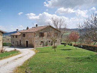 2 bedroom Apartment in Mengara, Umbria, Italy - 5523691