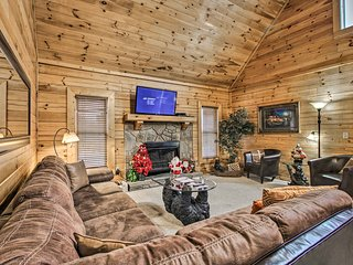 NEW! Pigeon Forge Area Cabin - Near Douglas Lake!