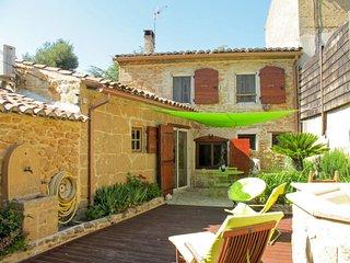 2 bedroom Villa in Grans, Provence-Alpes-Côte d'Azur, France - 5650025