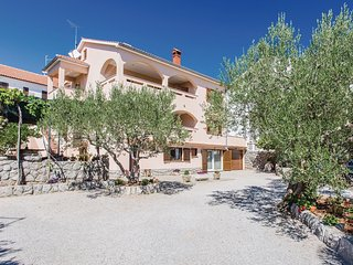 1 bedroom Apartment in Kornic, Primorsko-Goranska Zupanija, Croatia : ref 556489