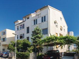 2 bedroom Apartment in Split, Splitsko-Dalmatinska Županija, Croatia : ref 55621