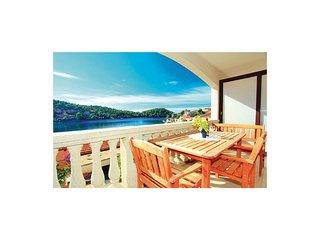 2 bedroom Apartment in Brna, Croatia - 5563138
