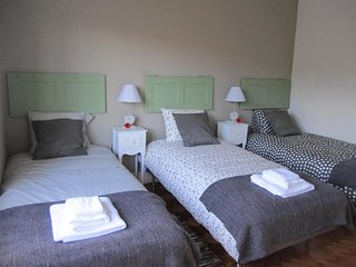 (05) Alvalade II Guest House - Economy Triple
