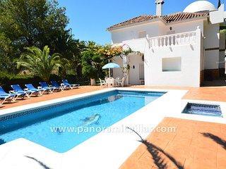 6 bedroom Villa in Fuengirola, Andalusia, Spain - 5700536