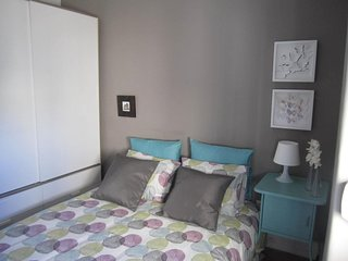 (03) Alvalade II Guest House - Double Room with Shared Bathroom