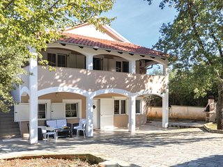 2 bedroom Apartment in Pavicini, Istria, Croatia : ref 5552130