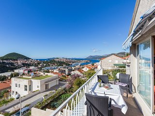 Apartments Charming - Comfort Two Bedroom Apartment with Terrace and Balcony