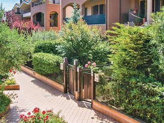 2 bedroom Apartment in Ghetto di Trebbiantico, The Marches, Italy : ref 5566652