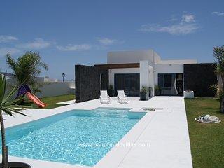 3 bedroom Villa in Playa Blanca, Canary Islands, Spain - 5700509