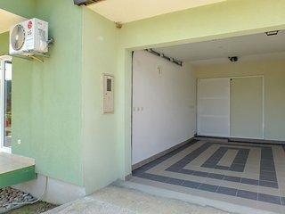 2 bedroom Villa in Pula, Dubrovačko-Neretvanska Županija, Croatia : ref 5607248
