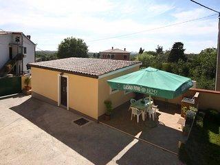 1 bedroom Villa in Pula, Istarska Županija, Croatia : ref 5343860