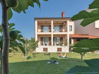 2 bedroom Apartment in Paganor, , Croatia : ref 5552088