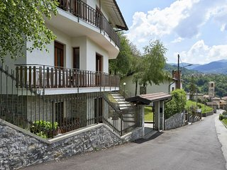 3 bedroom Apartment in Ponna Inferiore, Lombardy, Italy : ref 5630096