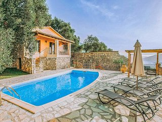 2 bedroom Villa in Chrysogiáli, Epirus, Greece : ref 5707468
