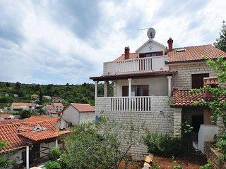 2 bedroom Apartment in Splitska, Splitsko-Dalmatinska Zupanija, Croatia : ref 55