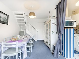 2 bedroom Apartment in Cabourg, Normandy, France - 5630052