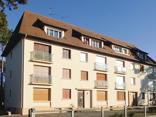2 bedroom Apartment in Le Hôme-sur-Mer, Normandy, France - 5539278