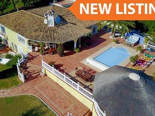 4 bedroom Villa in Mijas, Andalusia, Spain - 5700539